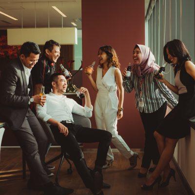 Mitarbeiter im Büro, Ali Yahya, Unsplash